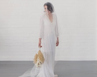 Wedding veil, drop veil, blusher veil, simple veil, raw cut edge, champagne, blush, pink, classic two tier veil, traditional, boho | FORTUNE