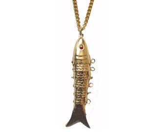 Vintage 1970s classic metal articulated fish pendant necklace - gold or silver