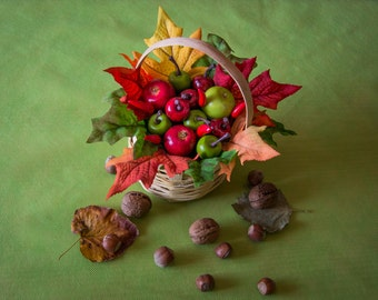 Holiday table decor, gift for vegetarian friend, basket with apples and leaves, decorative basket with apples, Holiday fruit arrangement
