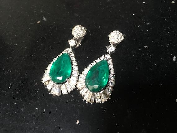 Exceptional Vintage BOUCHER Earrings faux Emerald