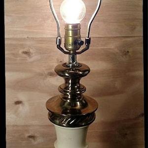 Vintage Brass Eagle Globe lamp  Vintage Eagle Table Lamp  Desk Lamp  American Lamp  Patriotic Lamp  Accent Lamp  F16