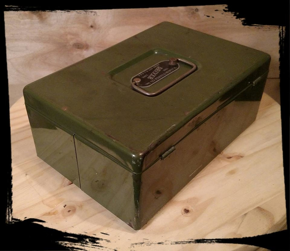 Vintage Walker Turner Co Inc Cash Box /The Driver Line Green Metal Cash Box / Strong Box / Storage Box / Treasure Chest / F676 & Vintage Walker Turner Co Inc Cash Box /The Driver Line Green Metal ...