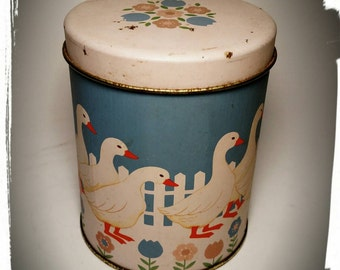 Collectible Bicuit Tin with Ducks and Fence / Duck Artwork by CR / Storage Tin Box / Candy Tin/Gift Tin/Coookie Tin/Best Gift Idea / F1264