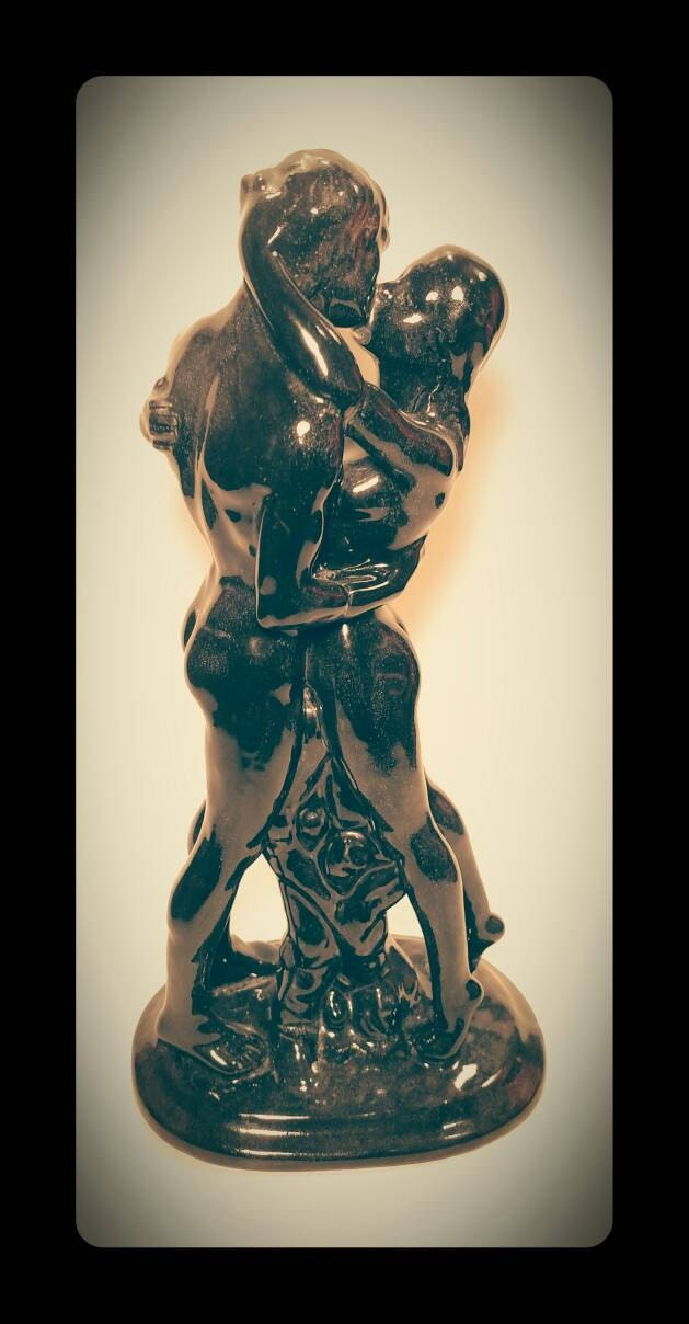 Collectible Statue Nude Couple Embracing And Kissing Speckled Black  Collectible Art -5378