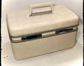 Vintage Samsonite Royal Traveller Medalist Cream Train Case/Overnight Makeup Case/Samsonite Luggage Carry On/Storage Box/Cosmetic Case/F1762