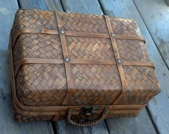 Picnic Basket, Small Rattan and Reed with metal Clasp/Suitcase Basket/Wicker Lunch Box/Storage Basket/Crafts Basket/Best Gift Idea/F564