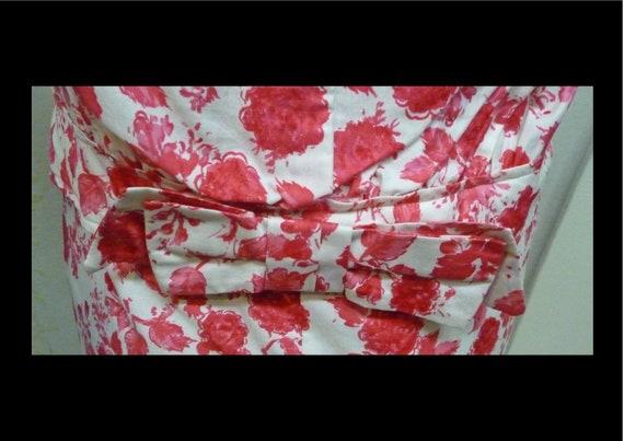 Vintage 1950s Red Rose Floral Print Cotton Shift … - image 5