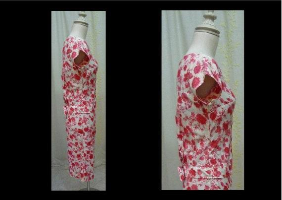 Vintage 1950s Red Rose Floral Print Cotton Shift … - image 4