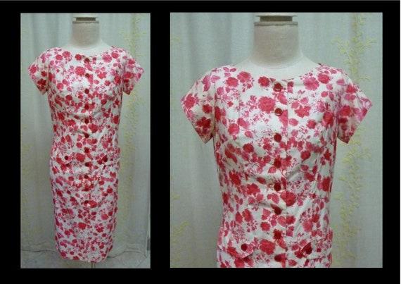 Vintage 1950s Red Rose Floral Print Cotton Shift D