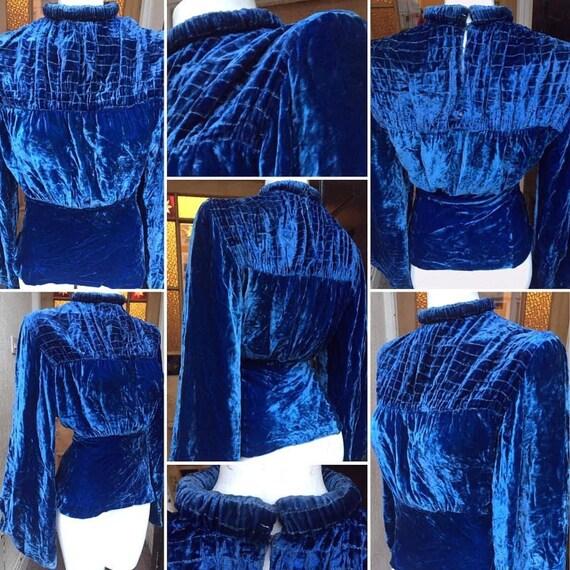 SALE****Original 1930s Blue Silk Velvet Blouse wit