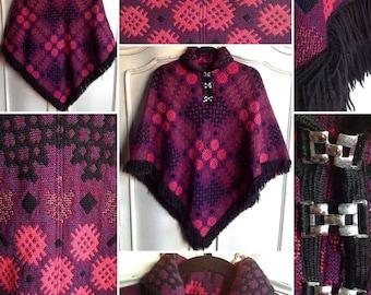 SALE****Vibrant 1960s Welsh Wool Cape!