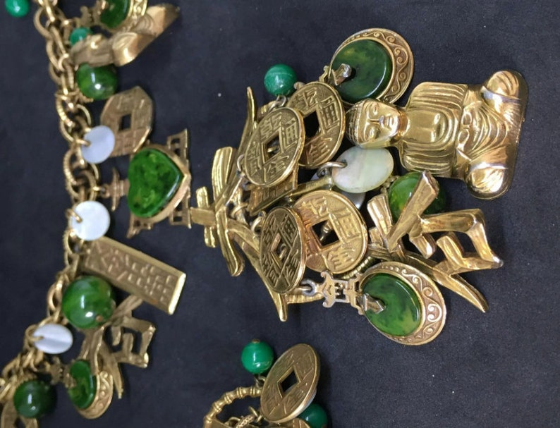 ART signed Buddha Green Faux Jade and mother of pearl Chinese symbol Pendant Earrings charm Bracelet Parure SET