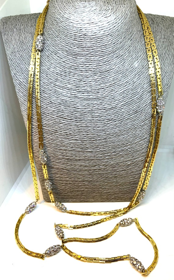 Christian Dior 1973  extra long goldtone chain wit