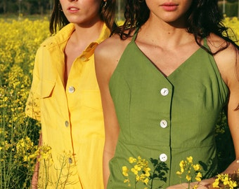 Green linen buttoned dress with thin straps and low back