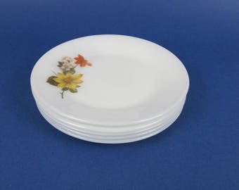 JAJ Pyrex Autumn Glory (Dahlia in the USA) side plate. Vintage English Pyrex.