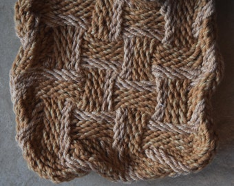 Unique Ply-Split Vessel, small basket for special items (jewelry) – Earthier