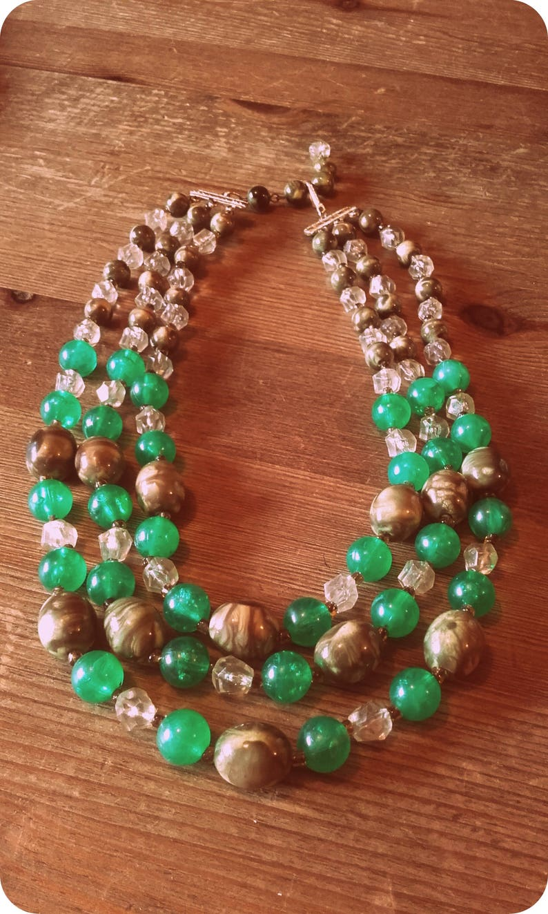 Vintage 50/'s Green and Brown 3 strand Lucite necklace