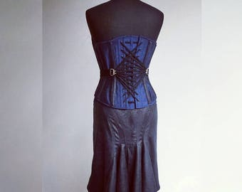 """Corset and skirt """"Saphira"""" // Silk corset with fan-lacing and faux leather bustle skirt made to measure."""