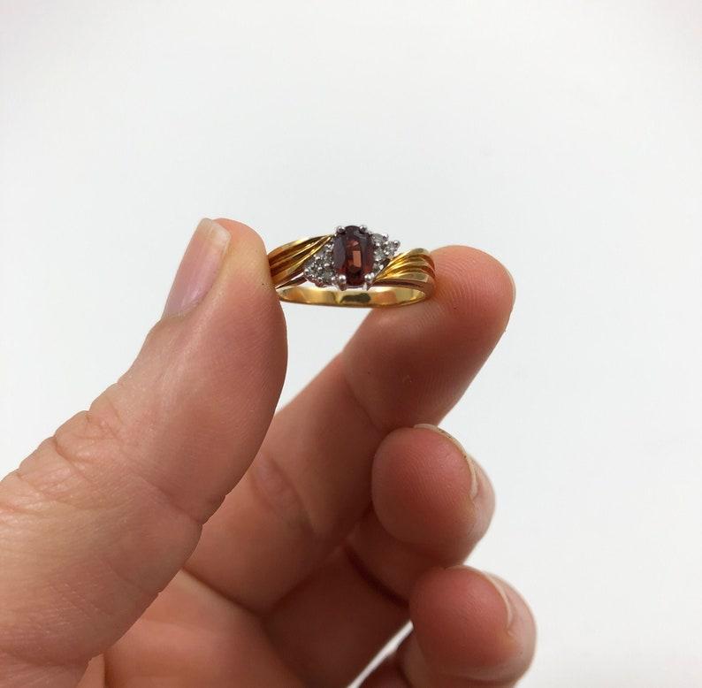 Vintage 10K Yellow Gold Garnet and Diamond Ladies Ring