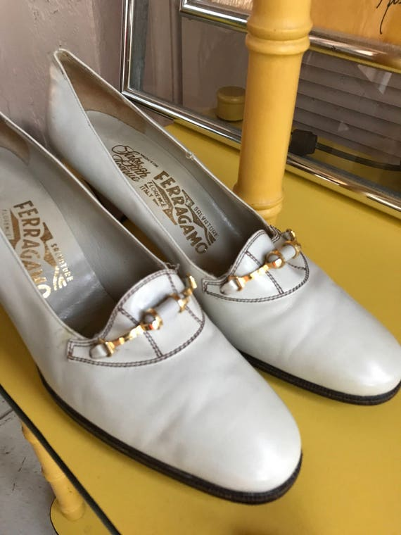 Vintage 70s Salvatore Ferragamo pumps