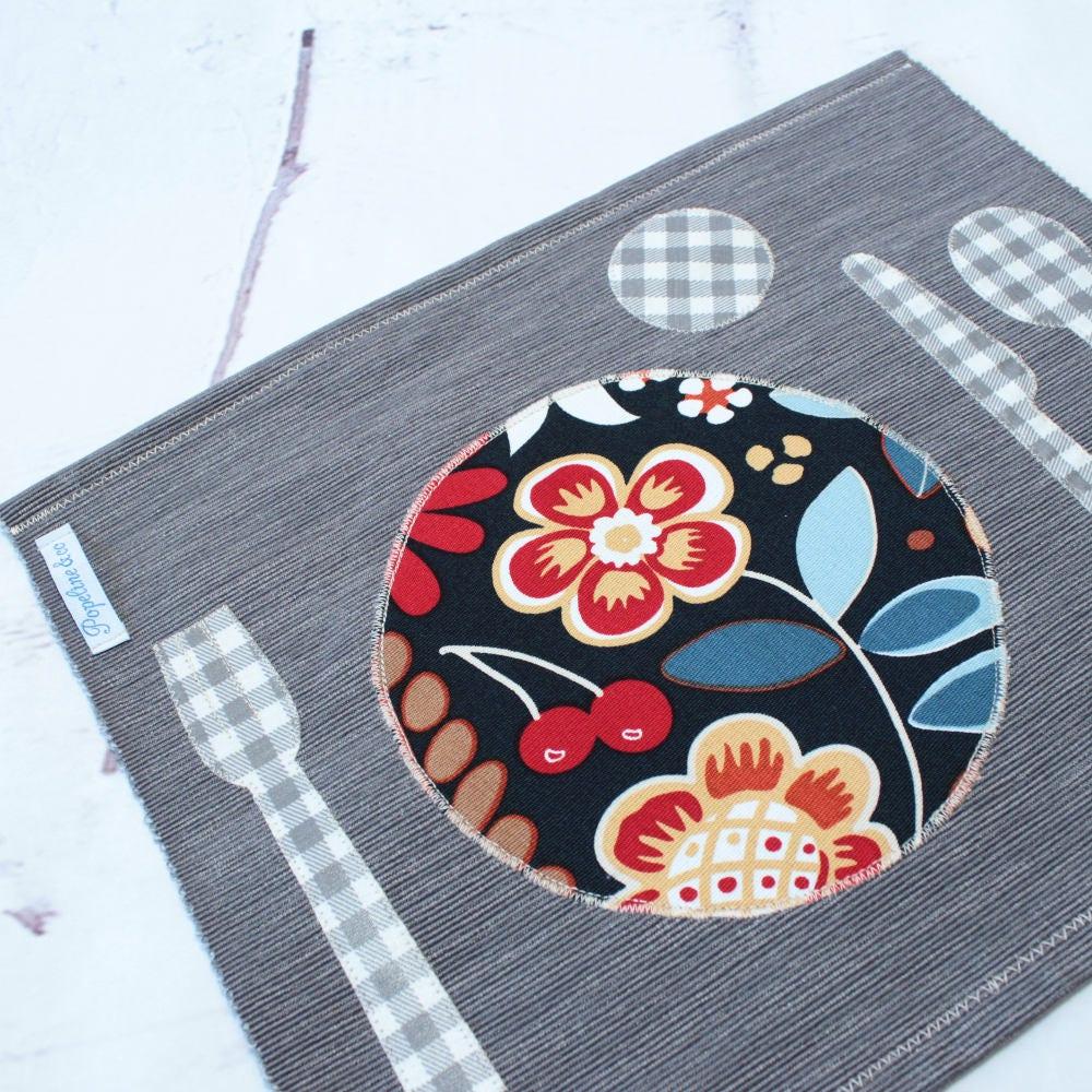 montessori set de table cadeau enfant set de table etsy. Black Bedroom Furniture Sets. Home Design Ideas