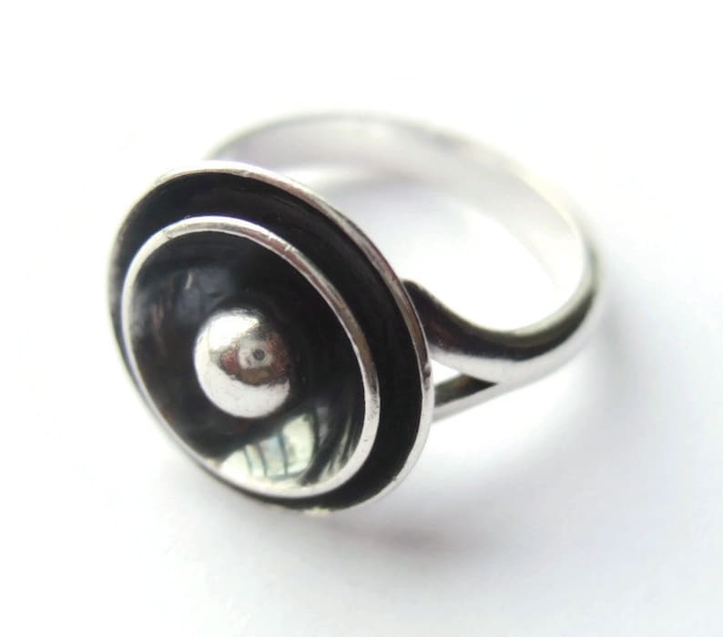 18c24a5631a6b Vintage N E From sterling silver target ring Danish silver