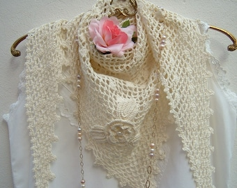 Crochet Lace scarf-ivory-coloured cotton shoulder cover-triangle scarf with pink and applied leaves