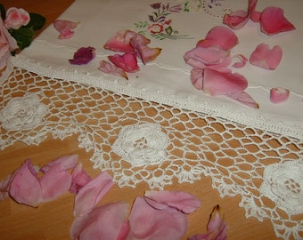White lace border on hook. Lace with bottom net and roses of Ireland. Shabby chic. Romantic Crochet House. To order.