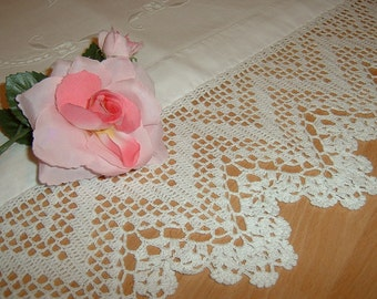 Lace for crochet border made with thread zig zag machining. White cotton lace. Romantic Crochet House. Custom
