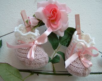 Baby Booties crocheted-slippers of pure pink and white merino wool-baby booties in crochet-size 0-3 months-girl fashion