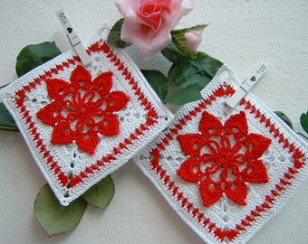 Crochet pot Holders-pair of white and red cotton pot holders-two Christmas holders in crochet-Christmas gifts-Full kitchen