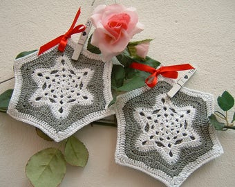 Crochet pot Holders-pair of white and grey cotton pot holders-two star shaped pot holders-complete for kitchen-Christmas gifts