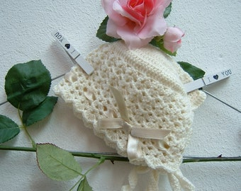 Baby Bonnet crochet-cap in pure ivory merino wool-romantic crochet headphones-baby fashion-size 6-9 months