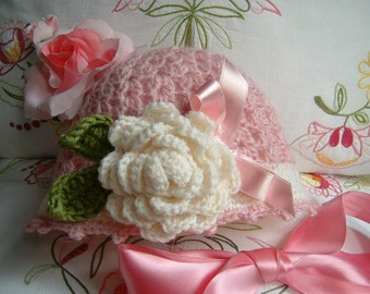 Baby Hat handmade crocheted in pure wool with a decorative rose. Girl Crochet, romantic and feminine fashion
