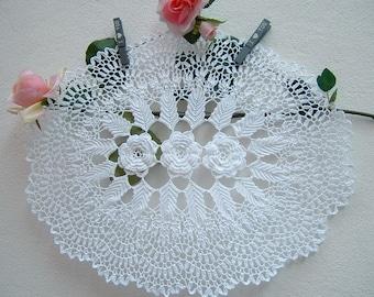 Oval Crochet Center-centerpiece with Irish roses-white cotton centerpiece-Italian lace-mat crochet