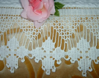 White lace for crochet border. Cotton border with flowers and bows. House Crochet, curtains decoration. To order.
