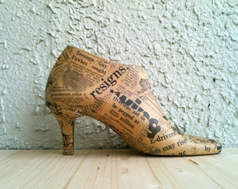 Vintage Wooden Shoe Form Fall Home Decor Vintage Newspaper Decoupage Decoration Collectors Gift FREE SHIPPING