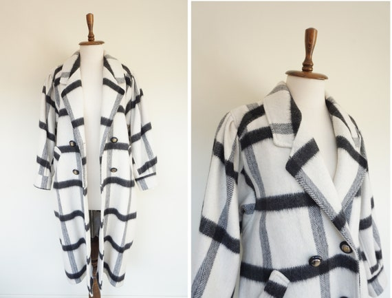 Oversize 90s Black and White Vintage Coat / Stripe