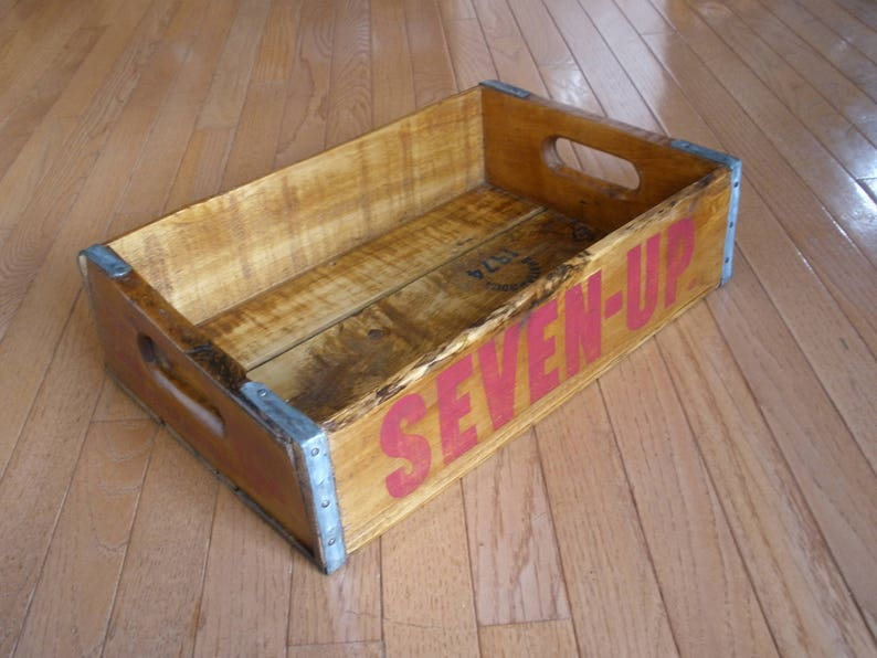 Vintage SEVEN UP Wood CRATE - Metal Banding - Washington D C  - Original -  Collectible - Advertising - Soda Carrier