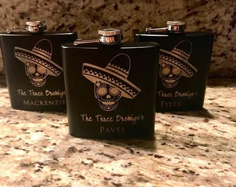 Skull Flask, Sugar Skull Gift, Stainless Steel Engraved Flask, Up to 3 Lines of Engraving, Available in many colors, Fast Shipping