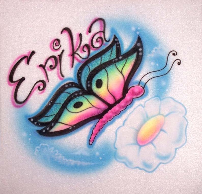 Mariposa con aerógrafo y camiseta personalizada; Pintado con cualquier nombre, o colores que usted elija!