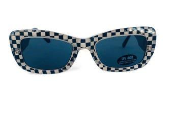 6fa25ce9e9 Vintage Retro Black   White Checkered Sunglasses square Cat-eye Sunglasses