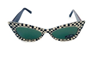 ddc31a06bcf7 Vintage Retro Cat-eye Sunglasses 90s Oval Sunglasses Black   White  Checkered Sunglasses Green Tinted Lens