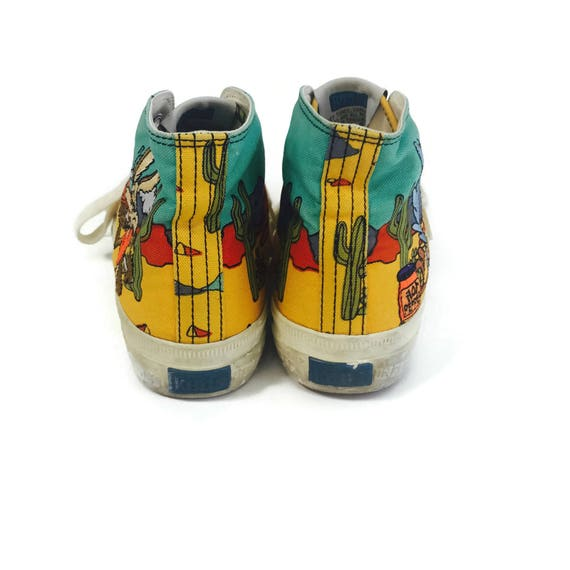 Rare 90 s LOONEY TUNES Keds High Top Sneakers    Size 7 US  147dece08