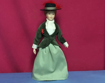 """Franklin Heirloom Collectible Doll, Colonial Woman Doll, """"Cecily"""""""