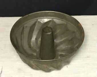 Vintage Primitive Tin Cake Pan Mold, Angel Food Cake Mold
