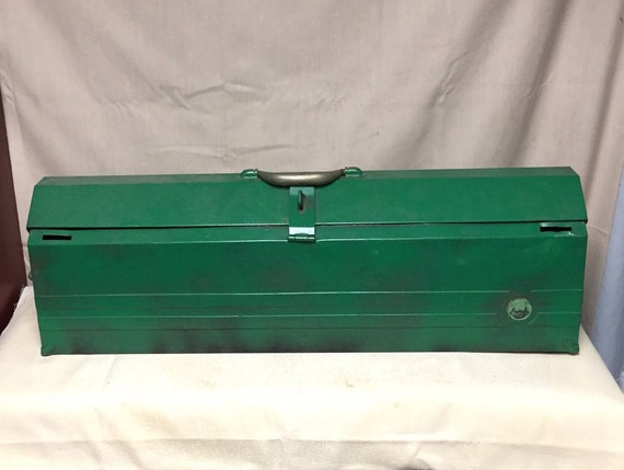 Wondrous Vintage Metal Waterloo Carpenters Toolbox With Wood Blocks For Handsaws And Steel Tabs For 2 Level Made In Waterloo Iowa Usa Machost Co Dining Chair Design Ideas Machostcouk