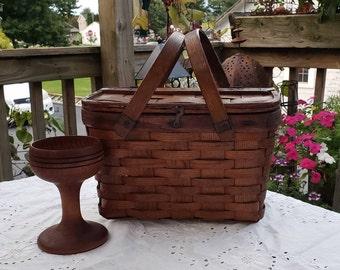 19th Century Woven Split Ash Basket with Hinged Lid, New England Gathering Basket, Shaker Handwoven Ash Basket, Rustic Storage