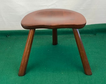 A Beautiful 3 Legged Wooden Milking Stool with Concave Seat, Pennsylvania House Furniture Stool