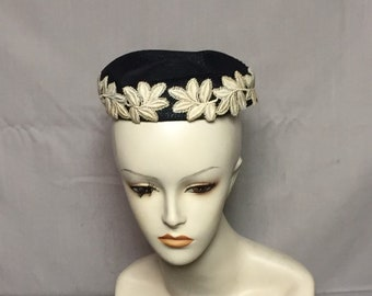 John Wanamaker Ladies Pillbox Hat, Black Straw Hat, Raffia Pillbox Hat, Off White Stitched Leaves, Applique Leaf Trim